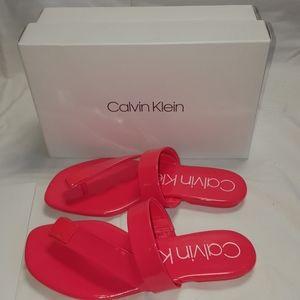 Calvin Klein Women's Saurin Flat Sandal 7